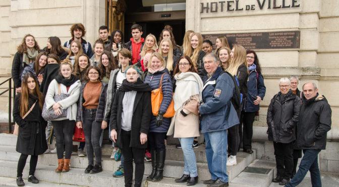 Les lycéens suédois reçus à la mairie